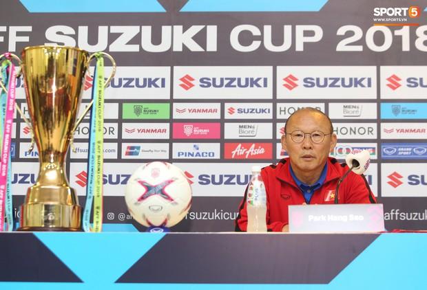 HLV Park Hang-seo bật cười khi nghe hậu vệ Malaysia nói Việt Nam chủ trương đá xấu - Ảnh 3.