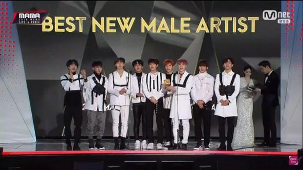 Stray Kids - nhóm nam đầu tiên của JYP đạt giải Tân binh xuất sắc: Điều gì làm nên thành công này? - Ảnh 1.