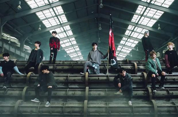 Stray Kids - nhóm nam đầu tiên của JYP đạt giải Tân binh xuất sắc: Điều gì làm nên thành công này? - Ảnh 2.
