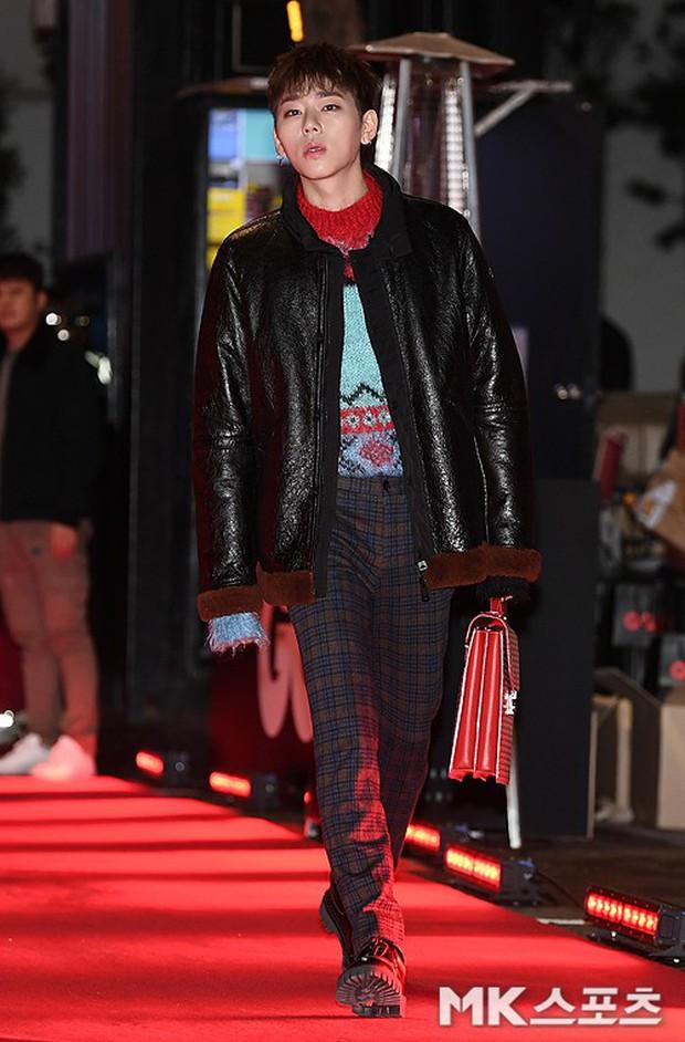 Màn chạm trán hiếm hoi của 2 nam thần: Cùng mặt đẹp như tạc, Lee Dong Wook vẫn nổi hơn Cha Eun Woo dù tóc bết? - Ảnh 6.