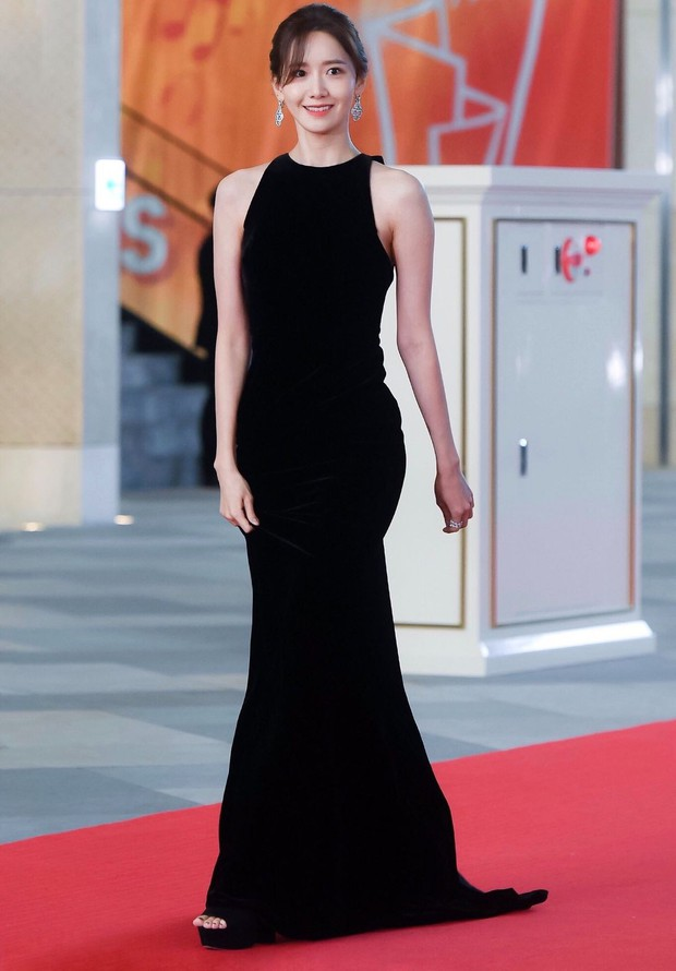 Bị chê có quá nhiều khuyết điểm, Yoona chứng minh: Vẻ đẹp vạn người mê nằm ở khí chất! - Ảnh 2.