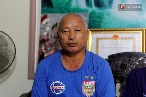 Gia đình cầu thủ Văn Đức và Trọng Hoàng dù say xe vẫn vượt 300km ra Hà Nội tiếp sức cho đội tuyển Việt Nam - Ảnh 2.