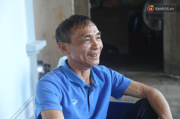 Gia đình cầu thủ Văn Đức và Trọng Hoàng dù say xe vẫn vượt 300km ra Hà Nội tiếp sức cho đội tuyển Việt Nam - Ảnh 4.