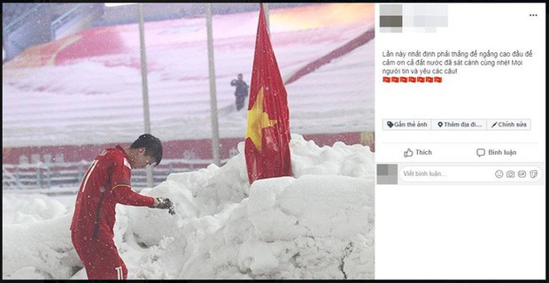 Hình ảnh Duy Mạnh cúi đầu trước quốc kỳ trên núi tuyết bất ngờ được dân mạng chia sẻ lại kèm lời chúc ý nghĩa - Ảnh 4.