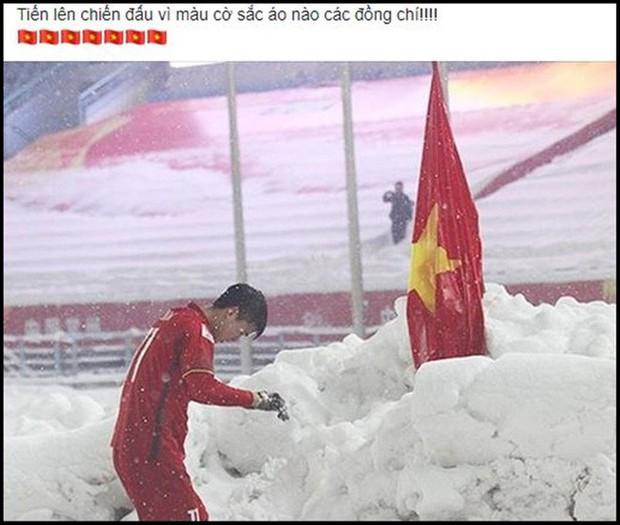 Hình ảnh Duy Mạnh cúi đầu trước quốc kỳ trên núi tuyết bất ngờ được dân mạng chia sẻ lại kèm lời chúc ý nghĩa - Ảnh 5.