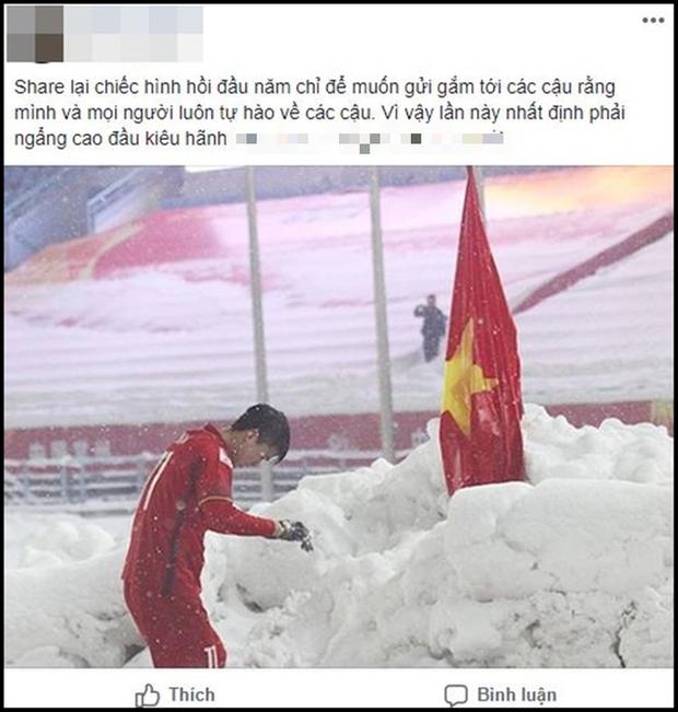 Hình ảnh Duy Mạnh cúi đầu trước quốc kỳ trên núi tuyết bất ngờ được dân mạng chia sẻ lại kèm lời chúc ý nghĩa - Ảnh 7.