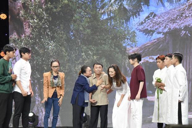 Việt Hương kể về quá khứ đầu bị ghẻ, ngồi trong thau diễn ảo thuật với ông ngoại - Ảnh 6.