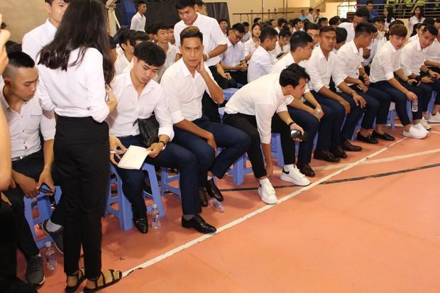 Trường ĐH hot nhất hiện nay, được hàng loạt fan hâm mộ gọi tên vì là nơi theo học của các cầu thủ đội tuyển Việt Nam - Ảnh 2.