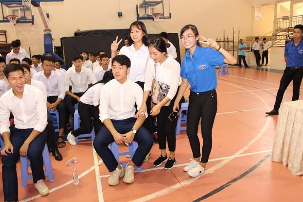 Trường ĐH hot nhất hiện nay, được hàng loạt fan hâm mộ gọi tên vì là nơi theo học của các cầu thủ đội tuyển Việt Nam - Ảnh 4.