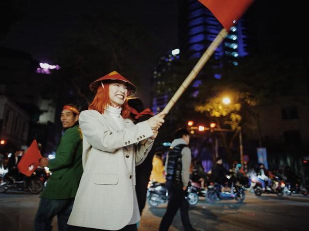 Châu Bùi, Salim, Sun HT đổ xuống phố ăn mừng Việt Nam vô địch - Ảnh 2.