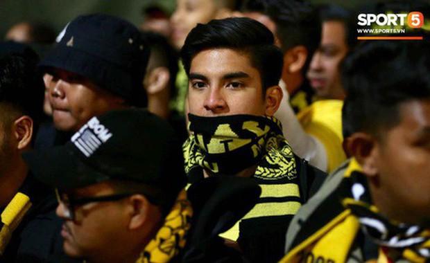 Bộ trưởng trẻ tuổi nhất Malaysia chúc mừng Việt Nam vô địch, hứa Malaysia sẽ trở lại lợi hại hơn - Ảnh 2.