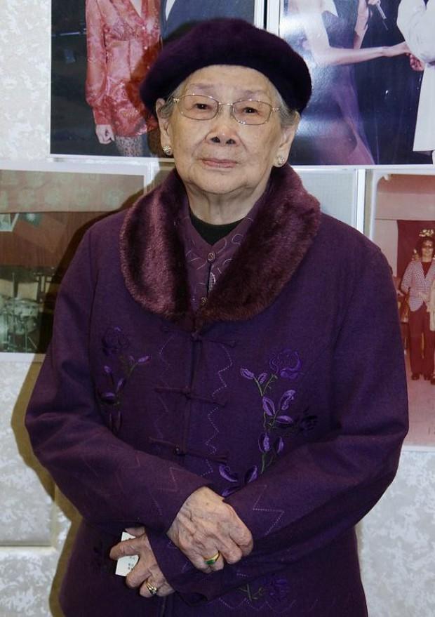 Mẹ Mai Diễm Phương tổ chức kỷ niệm 15 năm ngày mất của con gái: Thực sự thương tiếc hay chỉ là cái cớ moi tiền? - Ảnh 10.