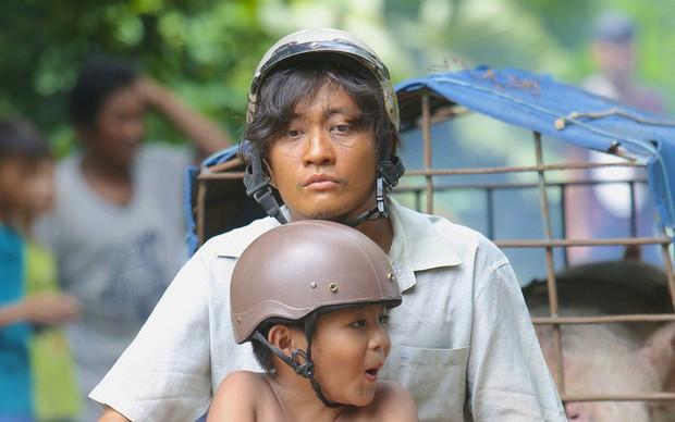 Cùng phận gà trống nuôi con nhưng cách hai người cha này khiến khán giả phim Việt rung động thật khác! - Ảnh 1.