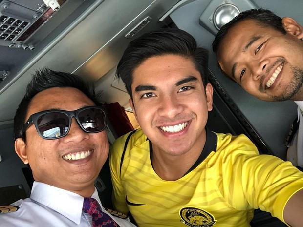 Bộ trưởng trẻ tuổi nhất Malaysia chúc mừng Việt Nam vô địch, hứa Malaysia sẽ trở lại lợi hại hơn - Ảnh 4.