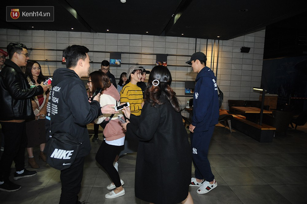 Bắt gặp Duy Mạnh tay trong tay đi xem phim với bạn gái sau khi lên ngôi vô địch AFF Cup - Ảnh 5.