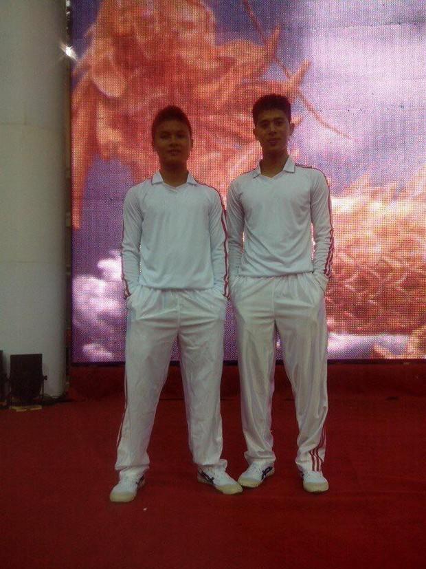 Lộ ảnh 6 năm trước của Quang Hải - Đình Trọng: Bộ đôi siêu ngố, nhất định không đổi vị trí khi chụp hình  - Ảnh 3.
