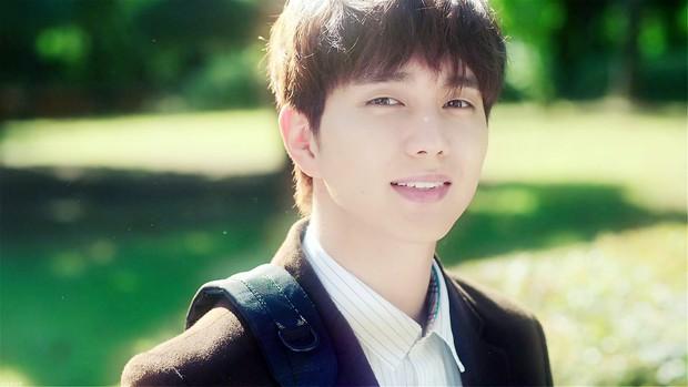 """4 điểm quyến rũ"""" mê mệt hội chị em của người hùng bình dân Yoo Seung Ho  - Ảnh 2."""