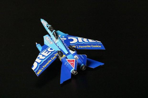 Biến vỏ hộp bánh kẹo thành mô hình tuyệt đẹp, chuyên gia cắt giấy Nhật Bản khiến Internet trầm trồ - Ảnh 4.