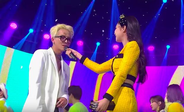 Tình anh em như Mino và Jennie nhà YG: Em thắng cúp No.1, anh nhảy nhót ăn mừng còn vui hơn cả em! - Ảnh 2.