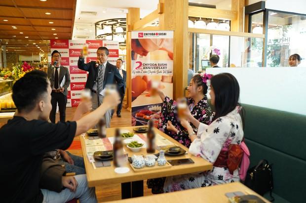 Thưởng thức sushi chuẩn Nhật ở Sài Gòn - Ảnh 1.
