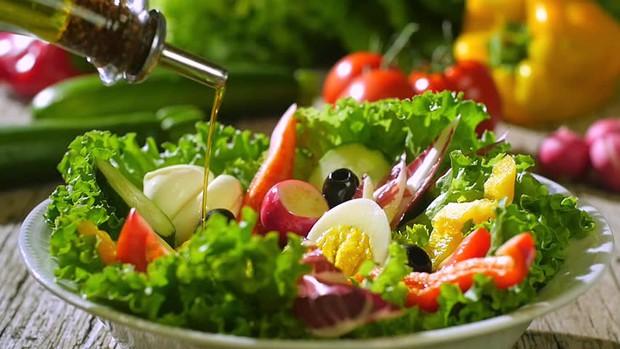 Tuân thủ ngay 7 thói quen này giúp bạn kiểm soát hiệu quả mức cholesterol trong cơ thể - Ảnh 3.