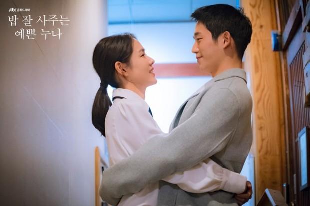 Xu hướng lệch tuổi năm 2018: Song Hye Kyo - Park Bo Gum cũng không đáng yêu bằng cặp số 3 - Ảnh 9.