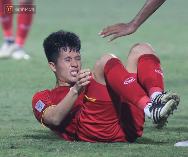 Gặp anh chàng sơ vin Đình Trọng sau AFF Cup: Điều buồn nhất là sẽ phải xa bóng đá rất lâu - Ảnh 12.