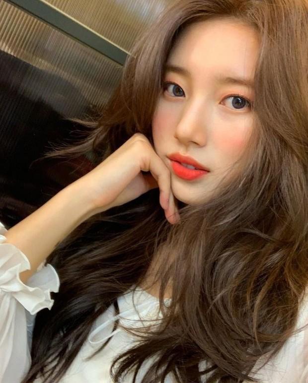 Đẹp như búp bê sống trong hình fan chụp vội, Suzy bỗng bị netizen khủng bố với loạt ảnh quá khứ khác một trời một vực - Ảnh 13.