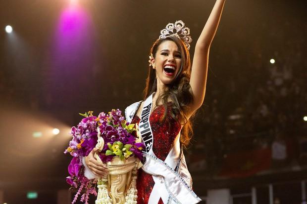 Cựu thí sinh The Face Thái cosplay tân Hoa hậu Hoàn vũ Catriona Gray: Như sao y bản gốc - Ảnh 2.