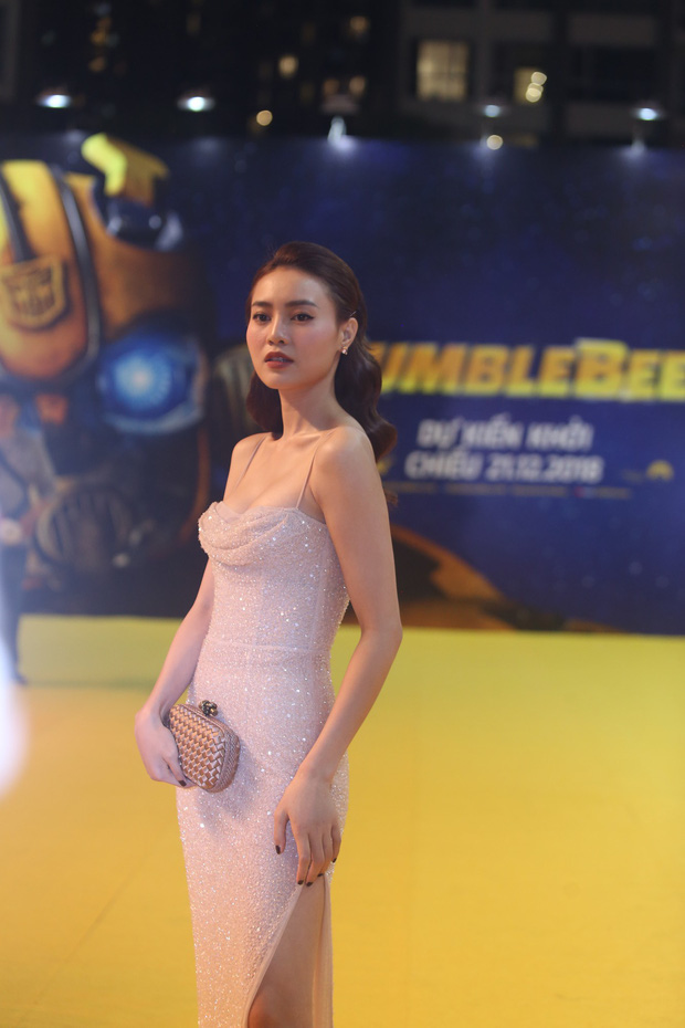 Hoa hậu Tiểu Vy hở bạo gợi cảm, trong khi Ninh Dương Lan Ngọc dịu dàng tại buổi họp báo Bumblebee - Ảnh 5.