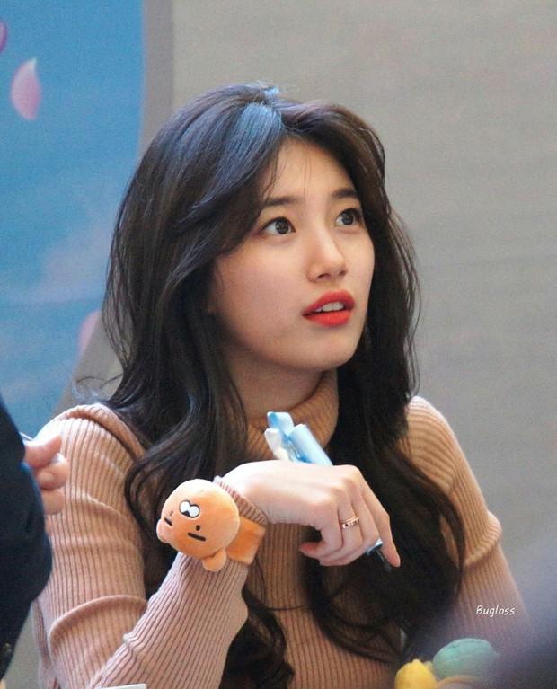 Đẹp như búp bê sống trong hình fan chụp vội, Suzy bỗng bị netizen khủng bố với loạt ảnh quá khứ khác một trời một vực - Ảnh 4.