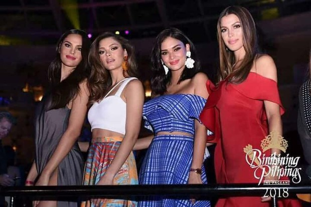 Top những điều trùng hợp thú vị về Hoa hậu Hoàn vũ 2018 so với các năm trước: Từ áo tắm hồng cho đến bức ảnh tiên đoán - Ảnh 6.