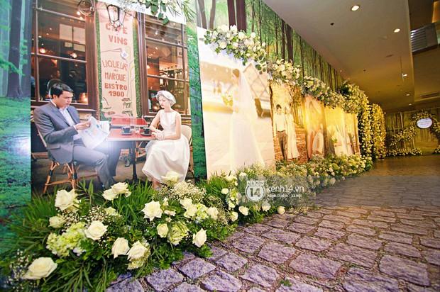 Không gian đám cưới ngập tràn sắc hoa của Á hậu Thanh Tú và ông xã đại gia 40 tuổi - Ảnh 5.