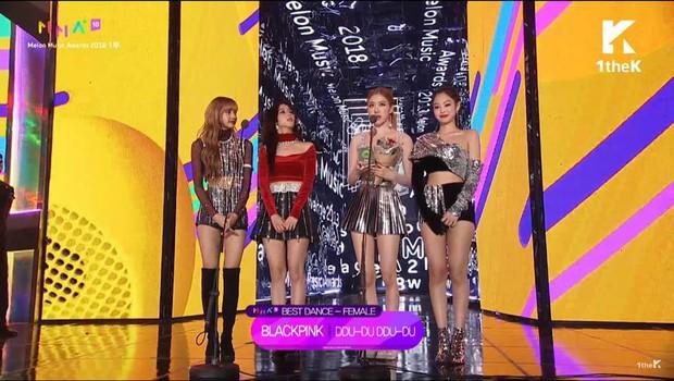 BlackPink giành giải vũ đạo của năm, netizen Hàn phản ứng cực gắt: Nhớ chưa Jennie, nhảy nhót mạnh lên! - Ảnh 1.