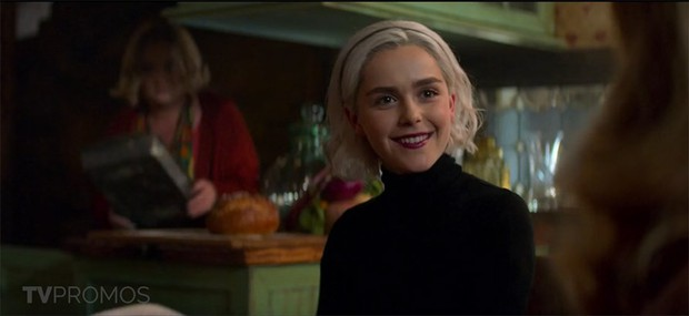 Cô phù thuỷ nhỏ Sabrina bất ngờ tung trailer mùa 2, hé lộ ngày lên sóng Netflix - Ảnh 3.