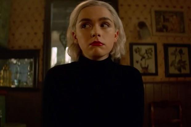 Cô phù thuỷ nhỏ Sabrina bất ngờ tung trailer mùa 2, hé lộ ngày lên sóng Netflix - Ảnh 4.