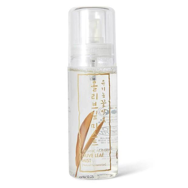 2 bà chủ của hãng skincare Hàn Quốc nổi tiếng đã dùng 10 sản phẩm này để có làn da đúng chuẩn glass skin - Ảnh 4.