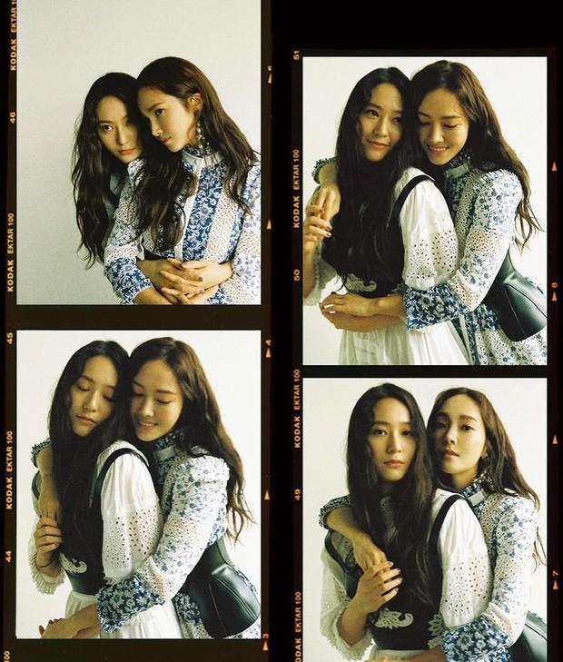 Hai chị em Jessica và Krystal lại rủ rê nhau chụp bìa tạp chí, xinh đẹp và càng nhìn càng giống sinh đôi - Ảnh 2.