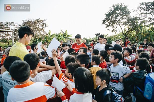 Đỗ Duy Mạnh: Chuyện cậu bé nhặt bóng 10 năm trước và người hùng sau vô địch AFF Cup 2018 - Ảnh 21.