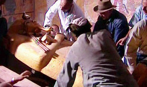 Bí ẩn lời nguyền xác ướp Ai Cập: 6 nhà khảo cổ chết bí ẩn sau khi mở quan tài cổ - Ảnh 1.