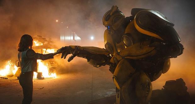 4 điều khiến chú ong nghệ Bumblebee hoàn toàn khác biệt với mọi phần Transformers cũ - Ảnh 12.