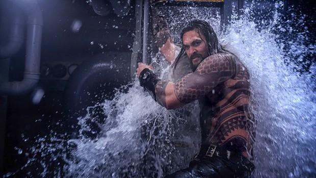 Fan DC có soi ra búp bê Annabelle cùng 15 chi tiết thú vị khác được cài cắm trong Aquaman không? - Ảnh 5.