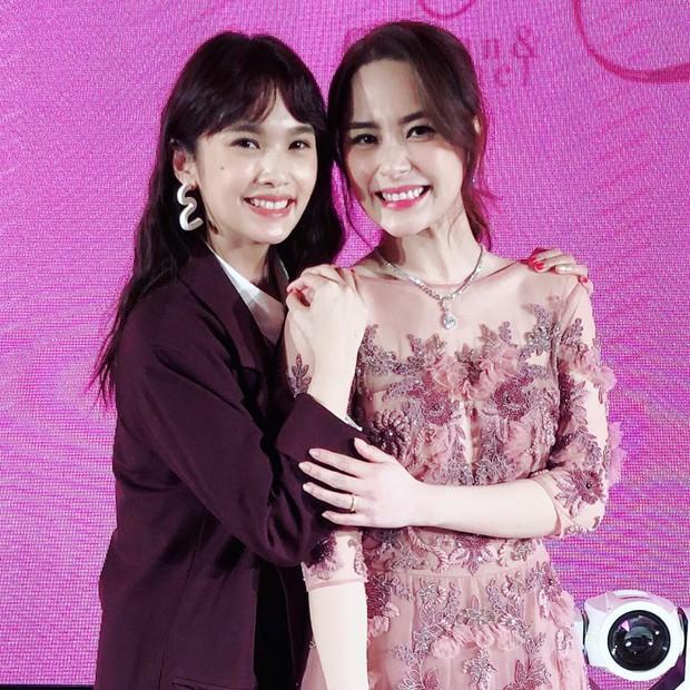 Thay liền 3 bộ váy cưới đẹp như mơ, Chung Hân Đồng lại khiến dân tình say lòng vì quá đỗi xinh đẹp - Ảnh 9.