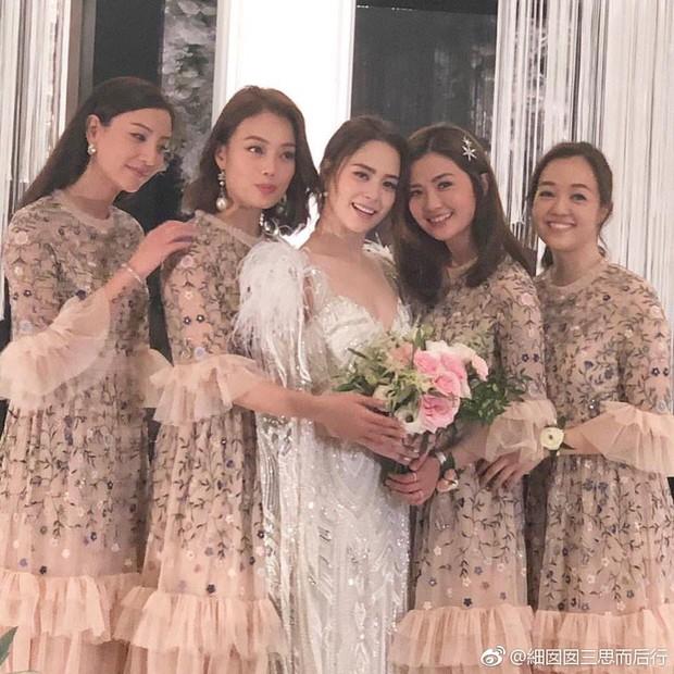 Thay liền 3 bộ váy cưới đẹp như mơ, Chung Hân Đồng lại khiến dân tình say lòng vì quá đỗi xinh đẹp - Ảnh 10.