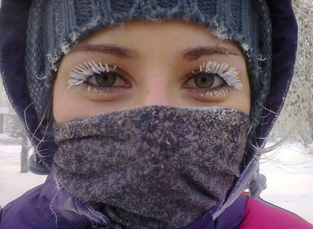 Chùm ảnh rét run: Băng tuyết chỉ lãng mạn trên phim, thực tế lại lạnh lẽo buốt giá như thế này - Ảnh 3.