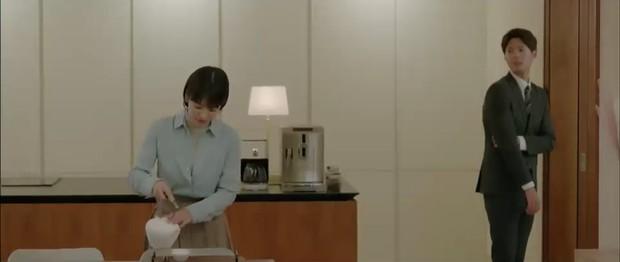 """""""Encounter"""" tập 8: Xem Song Hye Kyo - Park Bo Gum hôn môi ngọt ngào mà lòng buồn hiu hắt - Ảnh 18."""