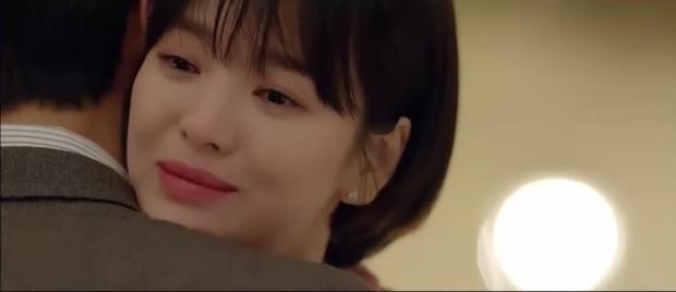 """""""Encounter"""" tập 8: Xem Song Hye Kyo - Park Bo Gum hôn môi ngọt ngào mà lòng buồn hiu hắt - Ảnh 40."""