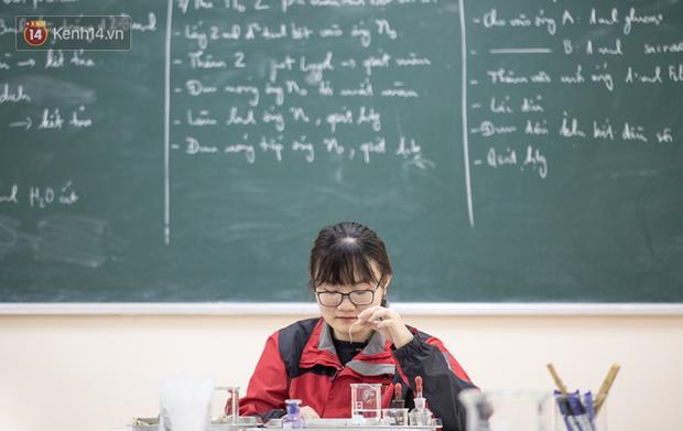 Đây chính là cuốn sách giúp Phương Thảo - nữ sinh 2000 giành HCV, có điểm thi Olympic Sinh học Quốc tế cao nhất thế giới - Ảnh 14.