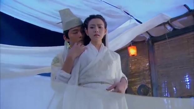 Kim Dung phải đổi tên kẻ đã cướp đi cái ngàn vàng của Tiểu Long Nữ trong Thần Điêu Đại Hiệp vì lý do này! - Ảnh 3.