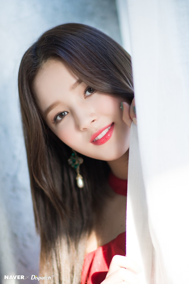 Bộ ảnh Giáng sinh của hội em út gây tranh cãi: Đẹp là thế, nữ thần lai Nancy lép vế trước mỹ nhân TWICE, Red Velvet - Ảnh 10.